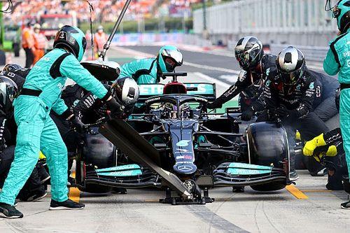 Wolff, Mercedes'in Hamilton'ı ikinci start öncesinde pite almama kararını savundu