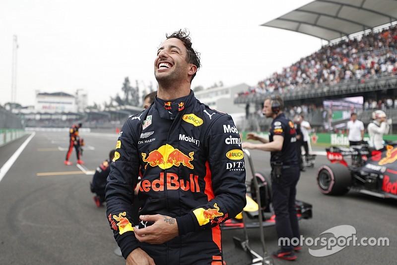 Ricciardo cresce no fim e marca a pole no México