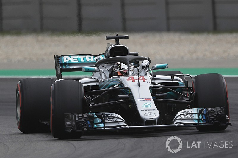 Mercedes denies influence on F1 tyre change