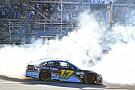 Monster Energy NASCAR Cup Stenhouse, son tur atağıyla NASCAR'da ilk zaferini kazandı