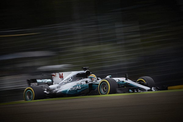 В Mercedes объяснили разницу в скорости между Малайзией и Японией