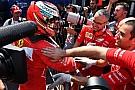 Kimi brilha e Hamilton decepciona: imagens do sábado