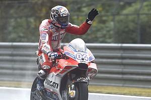 MotoGP Репортаж з практики Гран Прі Малайзії: Довіціозо став найкращим у другій практиці під дощем