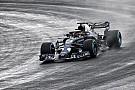 Фотофакт: нова машина Ф1 Red Bull уперше виїхала на трасу