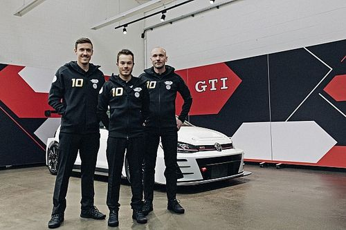 Bundesliga és motorsport: TCR-csapatot alapított Max Kruse