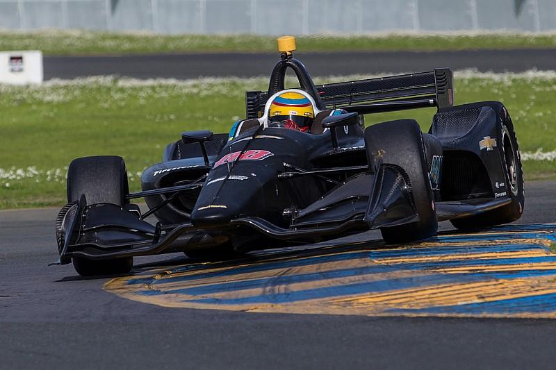Primeiro teste com Harding Racing deixa Chaves satisfeito