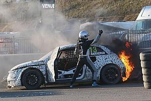 Rallycross-WM News Andreas Bakkerud: Feuer-Unfall bei Testrennen in Belgien