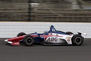 IndyCar Crónica de entrenamientos Kanaan logra el mejor tiempo en el Día de Carburación y Muñoz en 18