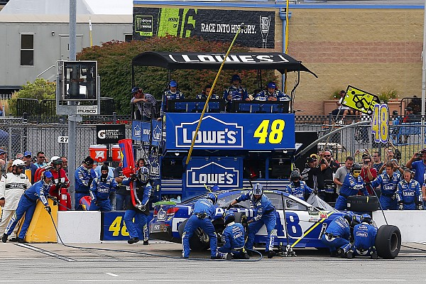 NASCAR Cup How Jimmie Johnson avoided a pit road penalty from NASCAR