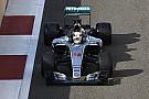 Hamilton se retira del test de Pirelli tras encontrarse indispuesto
