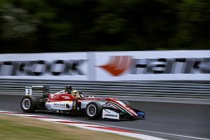Евро Ф3 Отчет о гонке Гюнтер выиграл на «Норисринге» после аварии лидеров в конце гонки