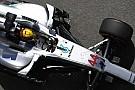 Brutális előnnyel végzett az élen a Mercedes a Ferrari előtt délelőtt Barcelonában