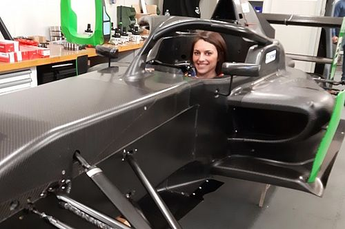 Fotogallery: Sharon Scolari nell'abitacolo della Formula Regional