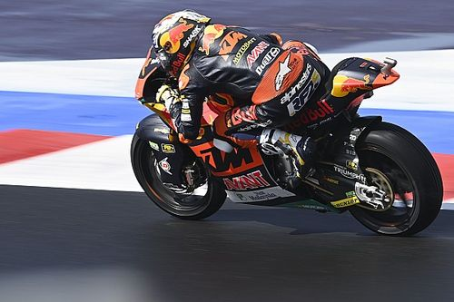 Misano Moto2: Fernandez resists teammate Gardner to win
