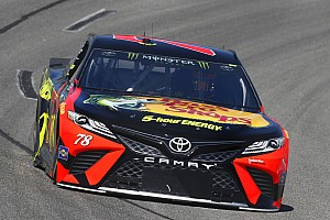 NASCAR Cup Qualifiche Martin Truex Jr batte Chase Elliott centra la pole position a Richmond