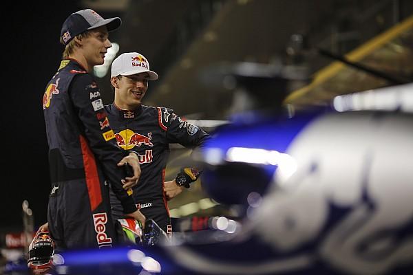 Формула 1 Новость Подготовка к новому сезону: Хартли и Гасли прошли подгонку сиденья