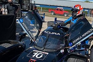 Rossi tests IndyCar and IMSA Prototype in same day