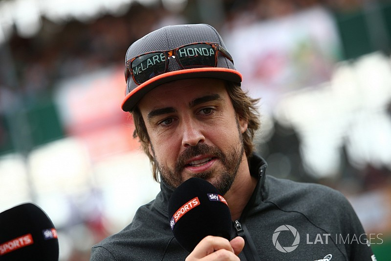 Алонсо закликає McLaren до скорішого вирішення питання з двигуном