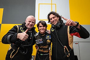 Формула V8 3.5 Репортаж з гонки Формула V8 3.5 у Сільверстоуні: Фіттіпальді виграв другу гонку