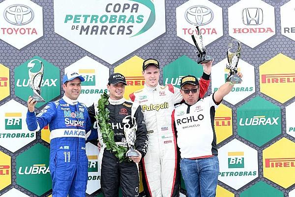 Brasileiro de Marcas Relato da corrida Thiago Marques vence prova 2 encurtada após batida no Marcas