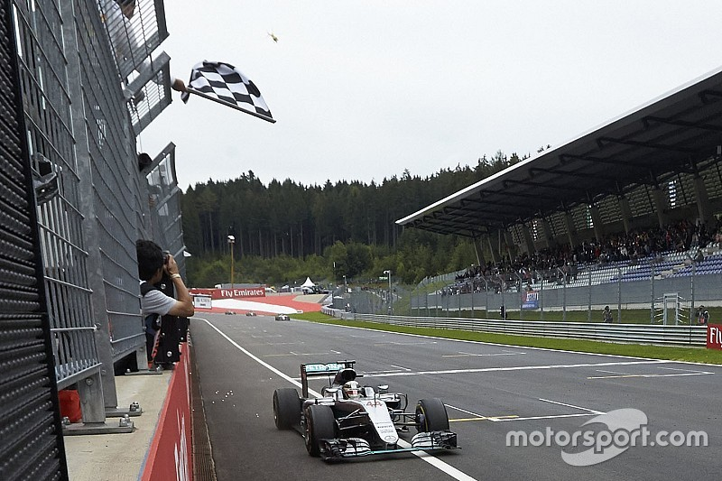 Fans F1 dapat kesempatan kibaskan bendera finis di Austria