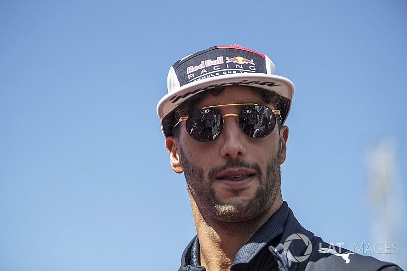 Sainz é opção para Red Bull caso Ricciardo saia, diz Horner