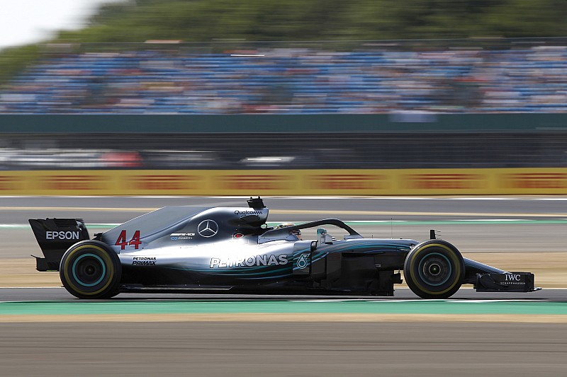 Hamilton wil af van DRS in Bocht 1 op Silverstone: