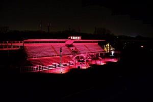 Speciale Ultime notizie La tribuna centrale di Monza si illumina di rosa per il Giro d'Italia
