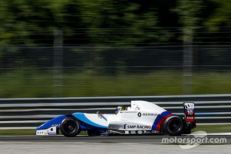 Шварцман выиграл гонку Еврокубка Формулы Renault 2.0