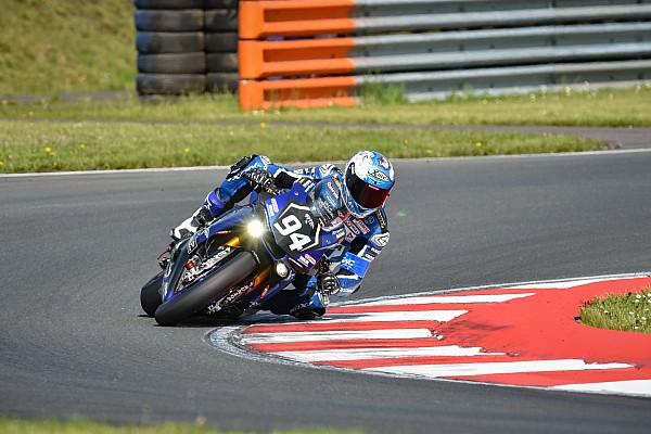 FIM Resistencia El Yamaha GMT94 de David Checa firma la pole en las 8 Horas de Oschersleben
