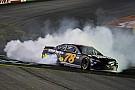 NASCAR Cup Труэкс победил в гонке NASCAR в Спарте