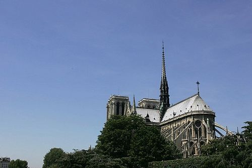 SRO pledges €50,000 to Notre-Dame reconstruction