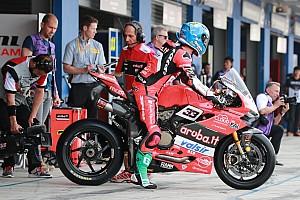 Superbike-WM Trainingsbericht WSBK Aragon: Melandri beim Trainingsauftakt knapp vor Rea