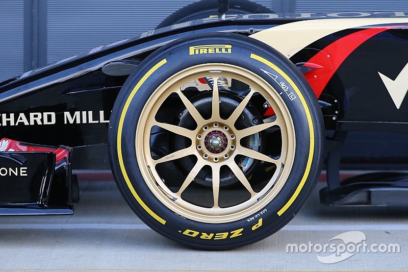 F1 2021: betiltják a gumipaplant és jöhetnek a 18 colos kerekek