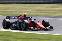 F2: Felipe Drugovich conquista pole position na etapa de Silverstone