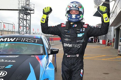 Donington BTCC: Turkington wins tight battle for pole