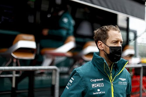 Aston: Vettel no se castiga por su difícil inicio de temporada