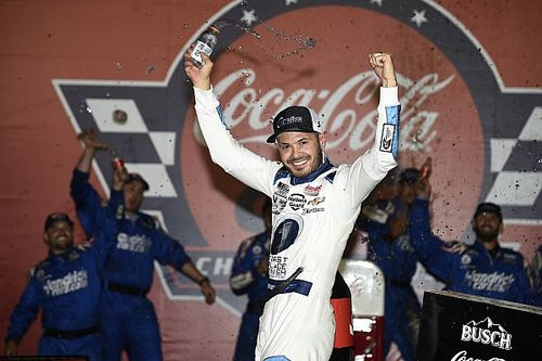 Larson zdominował Coca-Cola 600