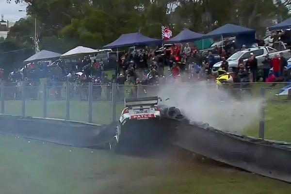 Sandown - LIVE Supercars Racing on