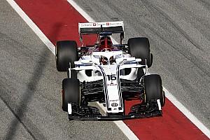 Hivatalos képeken és a pályán a nagyon innovatív Alfa Romeo Sauber