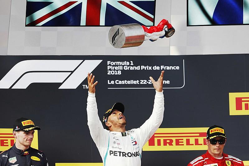 Hamilton aproveita confusão de Vettel e passeia na França