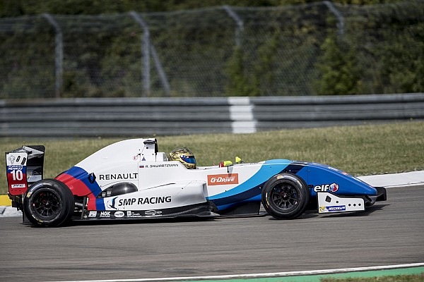 Formula Renault Race report Eurocup Nurburgring: Shwartzman juarai Race 1, Presley ke-24