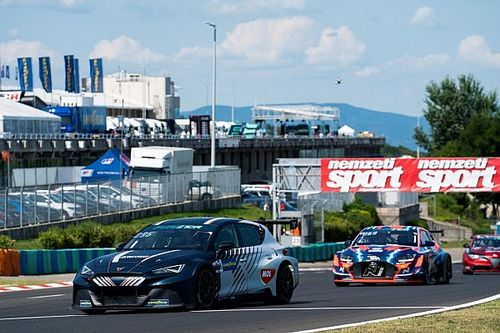 Azcona on top as Pure ETCR rivals collide in Hungary
