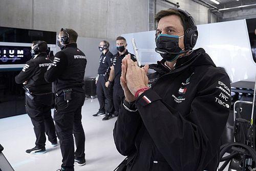 Вольф: Доменикали будет тормозить Mercedes