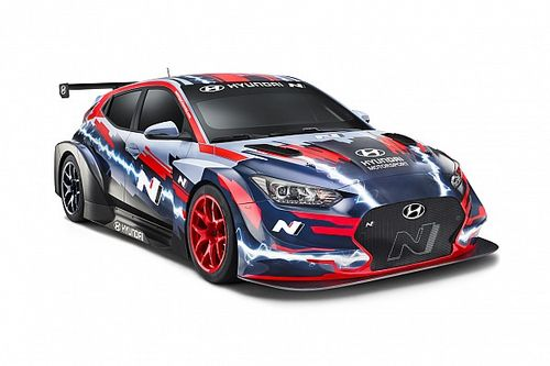 Hyundai reveals Veloster electric touring car