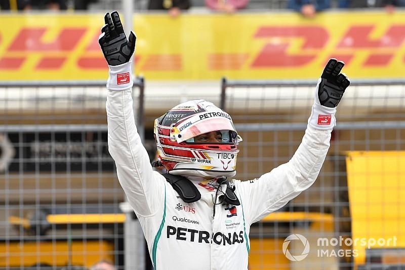 Hamilton raggiante: