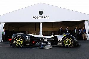 Roborace Noticias de última hora El Roborace completa su primera aparición pública en el ePrix de París