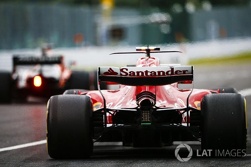 Videón, ahogy Räikkönen a falban köt ki a Ferrarival Suzukában