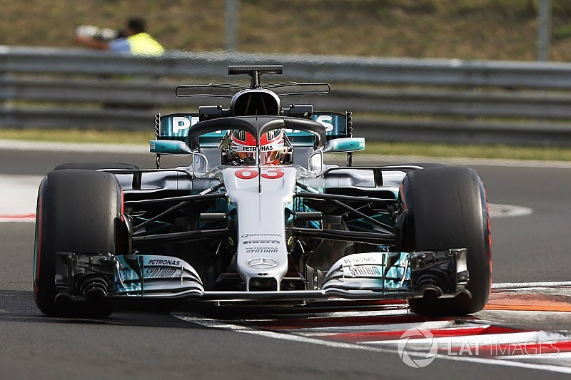https://cdn-9.motorsport.com/images/amp/6ARkZqv0/s6/f1-hungaroring-august-testing-2017-george-russell-mercedes-f1-w08-with-halo.jpg