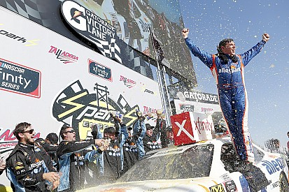 Spencer Gallagher gana su primera carrera en Xfinity